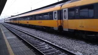 prijezd vlaku RJ 1004 + hlaseni