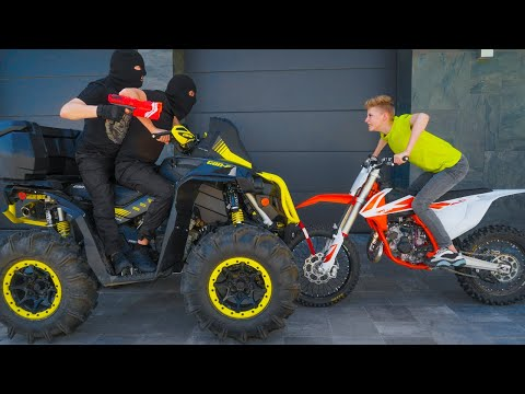 NERF motorcycle VS quadbike...  NERF - от меня не УЙДЁШЬ!!! видео