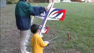 3 Year Old Justin Jee - U-Can-Do 3D EPP Electric RC Airplane Flying - Oct 18, 2005