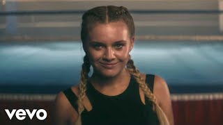 Kelsea Ballerini - Miss Me More (Official Video)