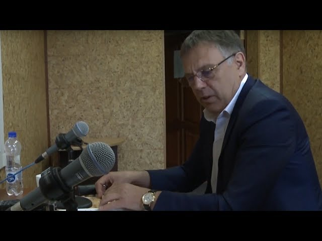 Мэр АГО выступил на радио АНХК