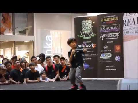Cậu bé người Nhật chơi yoyo cực đỉnh (xem từ 0:40)