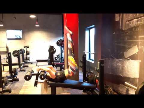 Jak rozciągnąć mięśnie w basenie