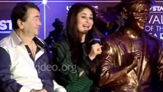 Kareena Kapoor unveiled Raj Kapoor's brass statue