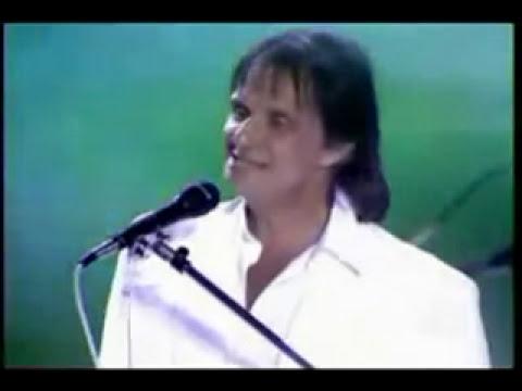 ROBERTO CARLOS -COMO ES GRANDE MI AMOR POR TI -( en portugues) Roberto Carlos- Com Camila Pitanga