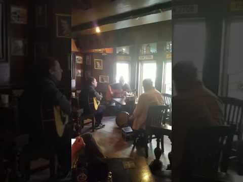 Liam Gallagher - When I'm In Need - Unknown song (Mckibbin's Irish Pub, Montreal)
