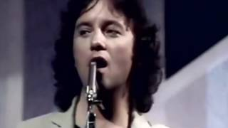 10cc    --   Dreadlock    Holiday  Video  HQ