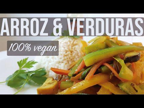 Arroz con verduras, setas y salsa de soja