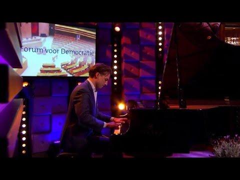 Thierry Baudet laat 'toekomstig' Tweede Kamer geluid horen - RTL LATE NIGHT