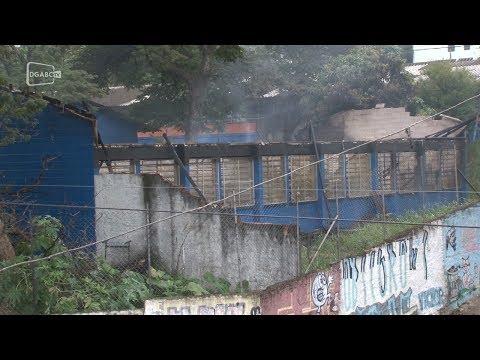 Incêndio atinge escola estadual em Diadema; veja vídeo
