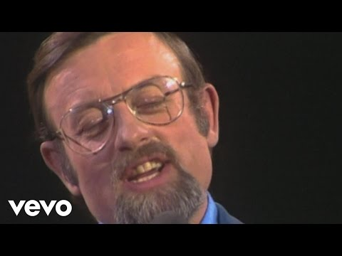Roger Whittaker - I Don't Believe In If Anymore (Liedercircus 23.04.1976) (VOD)