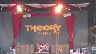 "Theory of a Deadman Live Crue Fest II ""Got It Made"""