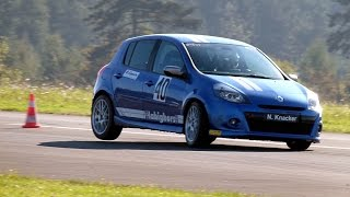 preview picture of video 'ADAC Flugplatz Rennslalom Höxter - Renault Clio'
