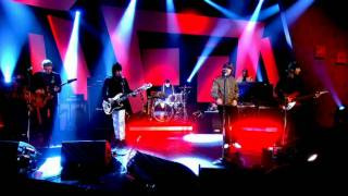 Beady Eye - The Beat Goes On [Live on Alan Carr: Chatty Man July 2011]