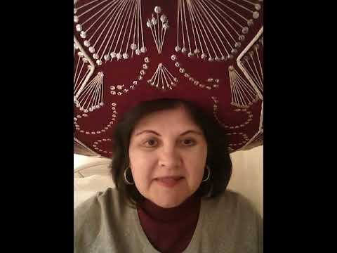 "Spanish Tutor Extraordinaire OR ""La profesora de español que buscas"" (the Spanish teacher that you're looking for)."