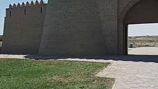 Мәдениет министрі Арыстанбек мырзаға, Қожа Ахмет Яссауи мавзолейінің директорының бассыздығы.