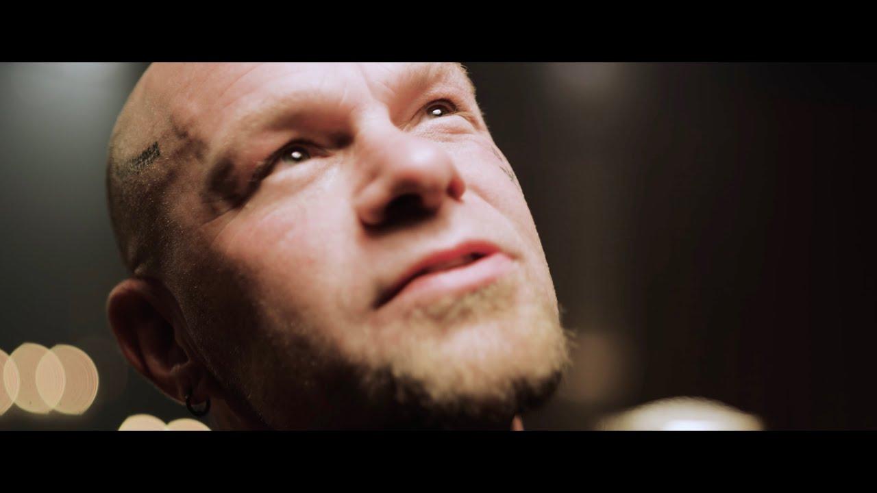 Five Finger Death Punch - Darkness Settles In