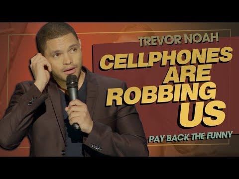 Trevor Noah – Mobily a selfie ničí naše životy
