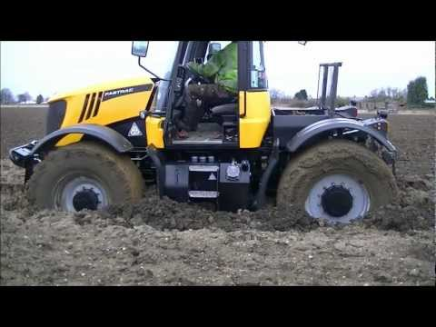 JCB Fastrac stuck in the mud