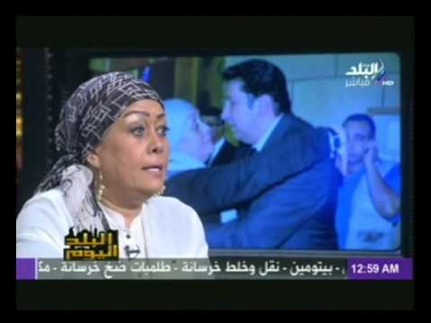 هالة فاخر: حجابي لا يمنعني من تقبيل زملائي