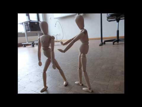 ...die Puppen tanzen lassen