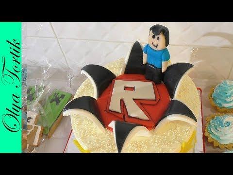 Идея торта в стиле Роблокс