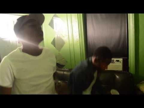 BENGE & RICO BANDZ - TO MUCH ( IN STUDIO VIDEO )