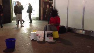 preview picture of video 'Incredible Busker in London Oxford Circus'