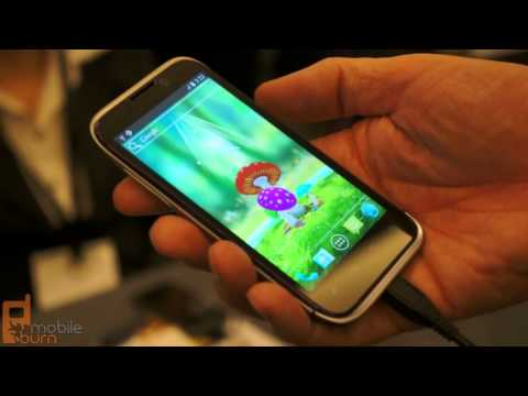 ZTE Era quad-core Android 4.0 smartphone live demo from MWC 2012