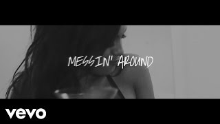 Messin' Around (Letra) - Enrique Iglesias (Video)