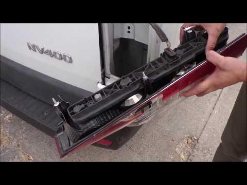 Cambiar piloto trasero de una furgoneta