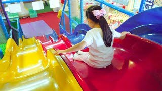 Indoor Playground For Kids Play Time / Nursery Rhyme Song For Kids 大好きな3色の大きなすべり台! 子供の遊び場 たーたんねる