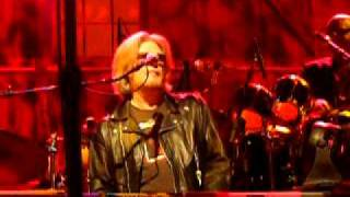 """Fall In Philadelphia"" Daryl Hall-Fitz and The Tantrums Temple U 4/16/11 Live"