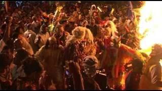 preview picture of video 'Ile de La Réunion : fête tamoule, le Karmon 2010 à Saint-Louis'