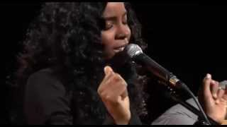 "Kelly Rowland - ""Daylight"" acústico @ Biz Session."