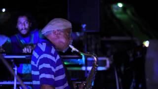 """La Comparsa Marabunta - Lumbre  (en vivo en el parque """"Las Ballenas"""" Maracay 2013)."""