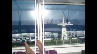 preview picture of video 'Oasis of the Seas cruise - front deck - relaxing'