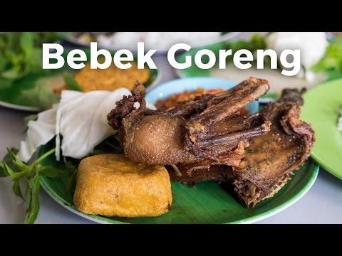 Best Indonesian Food - FRIED DUCK And SAMBAL At Bebek Goreng H. Slamet In Jakarta!