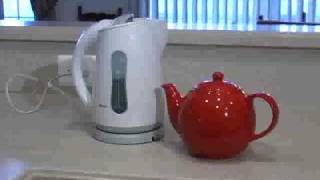 "How to make a decent ""Cuppa"" tea the traditional British way"