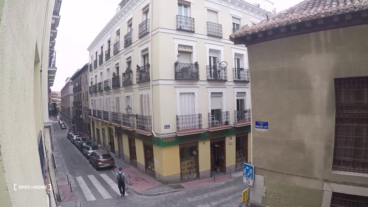 Double Bed in Rooms for rent in modern 5-bedroom apartment in Malasaña