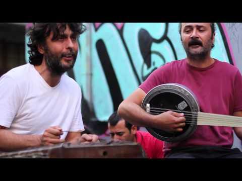 Kararsizlar - Altın yüzüğüm kırıldı - street shooting in Tünel Sahne - Istanbul - 31/08/2014