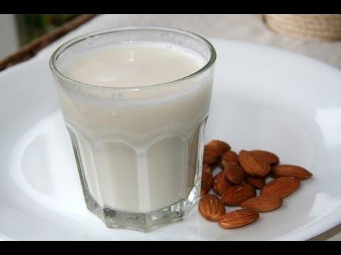Πώς να φτιάξεις σπιτικό γάλα αμυγδάλου