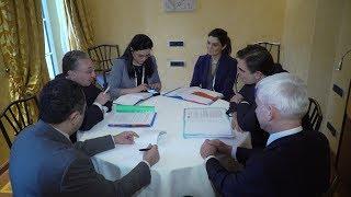 Встреча Министра иностранных дел Армении Зограба Мнацаканяна с Комиссаром по продвижению европейского образа жизни Маргаритис Схинасом