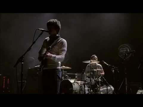 Arctic Monkeys - Brianstorm [Live AT THE APOLLO]