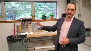 Rabbi Gropper prepare for fasting on Yom Kippur