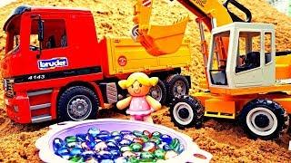 Добываем драгоценные камешки в песке с машинками. Видео для детей