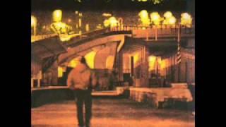 Kadr z teledysku Assalto frontale tekst piosenki Assalti Frontali