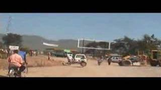 preview picture of video 'Uganda traffic near Fort Portal'