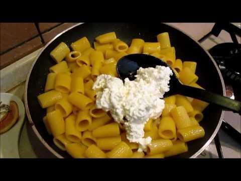 Cocktail di proteina in condizioni di casa per ricette di perdita di peso e risposte