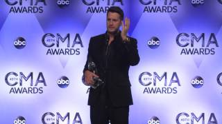 Luke Bryan Backstage At The CMA Awards // Country Outfitter